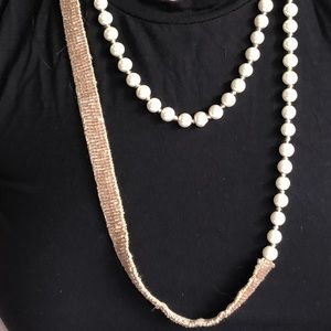 Jewelry - Fashion beaded and pearly necklace